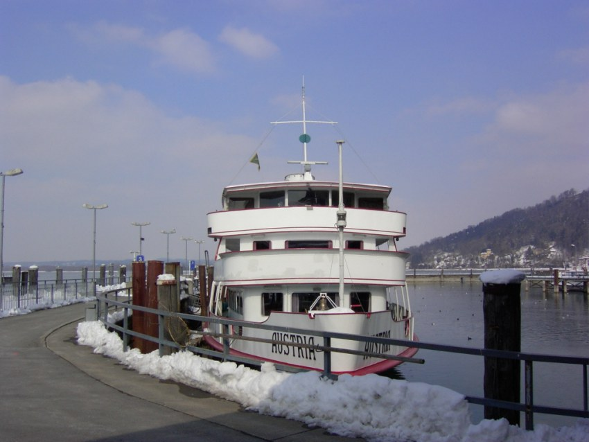 MS Austria am 26.02.2005 in Winterruhe in Bregenz